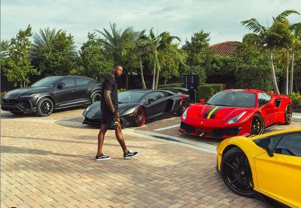 Cue Banks car collection